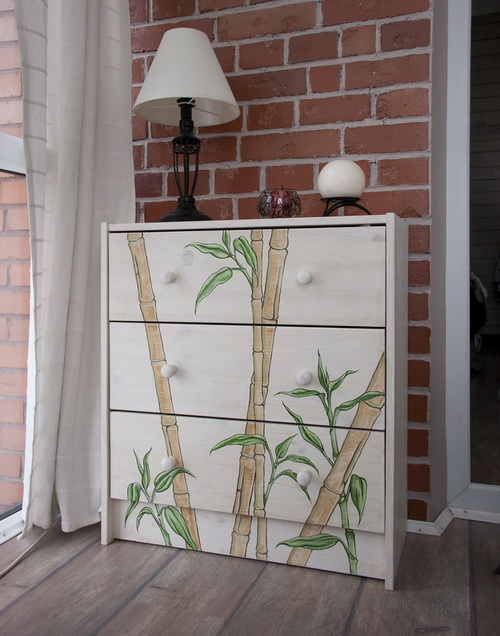 A chest with bamboo paints, 2012